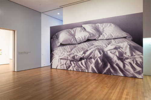 "allesistverbunden:  ataleofafewcities:  Felix Gonzalez-Torres, ""Untitled"", 1991 Installation view at MoMA  <3 :( <3"