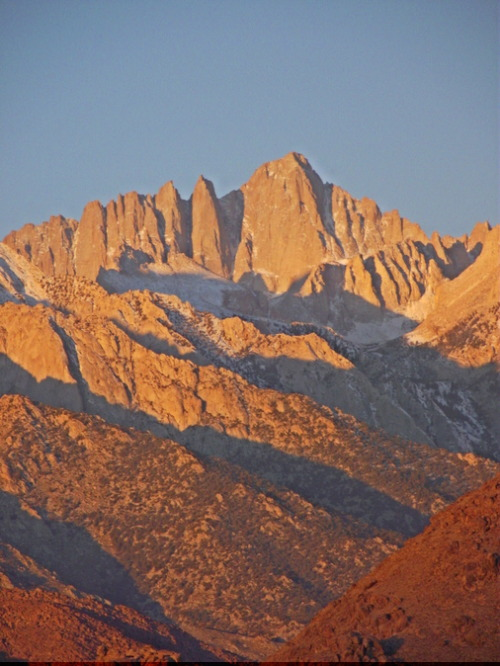 miyatake-inspired:  Mt. Whitney at Sunrise by Isabelle Ramos