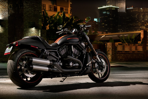 What Would Robb Stark Wear Ride? Harley Davidson 2012 Night Rob Special in Matte Black. Now, I know this is a What Would Robb Stark Wear blog, but I could so imagine him riding around modern Westeros on this beautiful machine. Absolutely gorgeous piece of machinery.