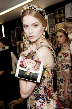 aloofproof:  allthingsrunway:  Backstage at Dolce and Gabbana FW12   is YOUR DASH in need of FASHION? CLICK HERE