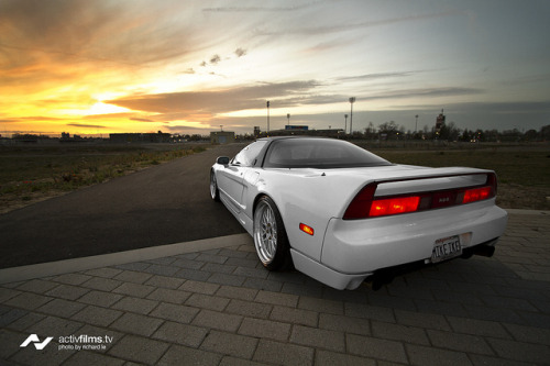 vinooo:  Mike's Honda NSX 'Into The Sunset' by Richard.Le on Flickr.