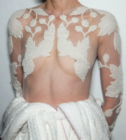 doll4rs:  youreacunt:  Kristen McMenamy at McQ by Alexander McQueen FW 12