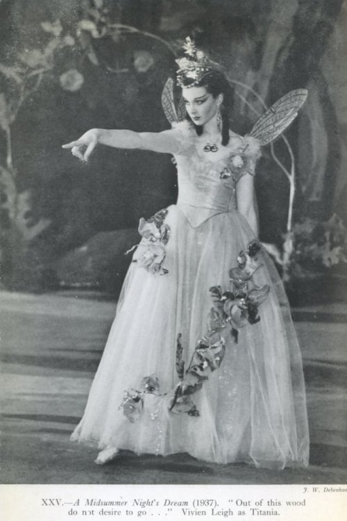 poorshadowsofelysium:  Vivien Leigh as Titania in A Midsummer Night's Dream at the Old Vic Theatre in London.