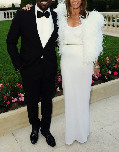 Carine-Roitfeld-and-Kanye-West-amfAR-Gala-Dinner