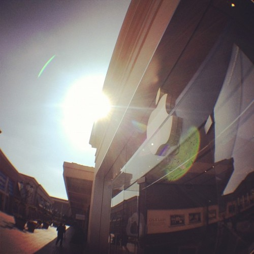 olloclip:  Rays of sun meet the Apple logo #olloclip #fisheye (Taken with Instagram at Apple Store)