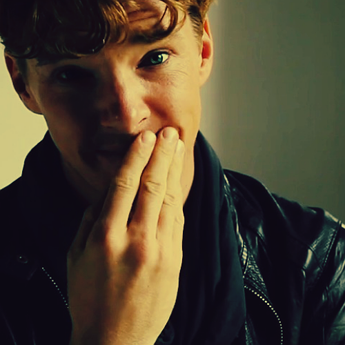 "cumberbatchcoffeeklatch:  ""Oh my, are you still up looking at pictures of me?"""