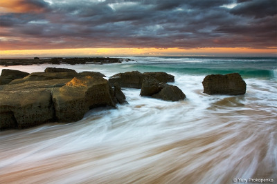 rebloggingforscience:  Soldiers Beach by -yury- on Flickr.