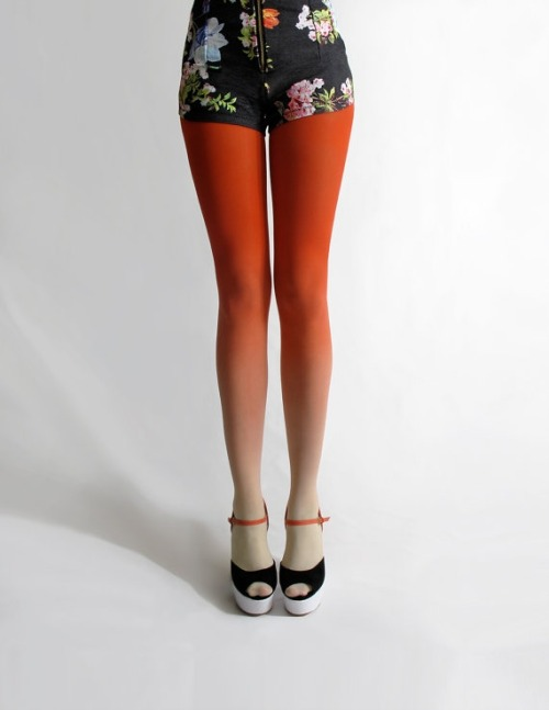 Ombre tights? Yes please!  source.