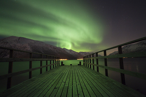 owlghosts:  Aurora Jetty (by peterspencer49)