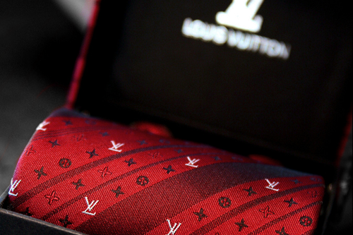 johnny-escobar:  LV tie