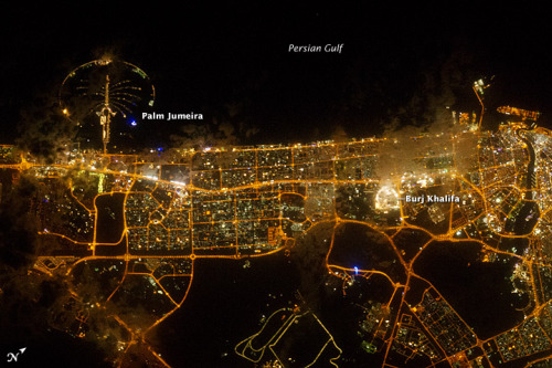 A very bright city from space - Dubai, UAE via #nasa_eo #remotesensing