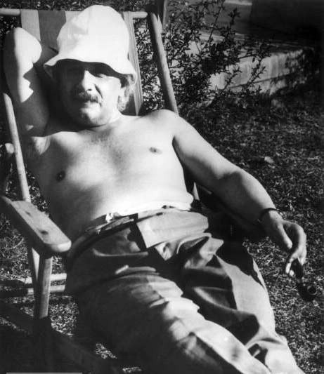 Albert Einstein in Palm Springs, 1932.