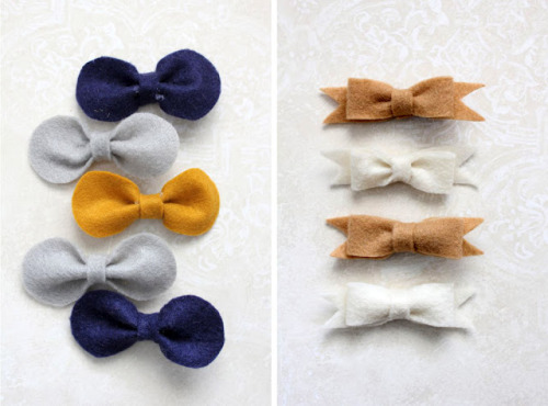 ~Ruffles And Stuff~: Simple Projects Week: Bows! The cutest bows in the world! I think I need to make this in brooch form!