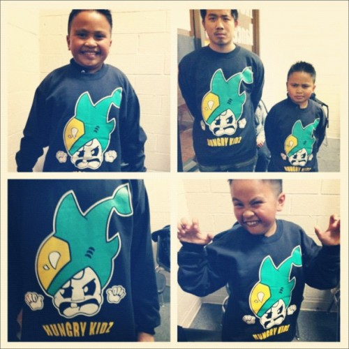 thaigiirl:  hungryfam:  smallyanah:  Hungry Kidz crew necks for $25! And Hungry Kidz snap back for $18! Come support the Hungry Fam! ❤ (Taken with instagram)  Come out to the Hungry Kidz Friends, Family and Supporters Night this Friday to snag one!  THIS. IS ADORABLE.DAMMIT GRANDPAPILE FOR KEEPING THE DESIGN AWAY FROM ME!!!   Because of other responsibilities this school year, I haven't had as much time to design for Empire… But! I will make time to doodle something up for the Hungry Fam. I get to design for Empire and for a fun family that'll proudly rock it— sounds like a win-win situation to me.  - ChiChai@Empire