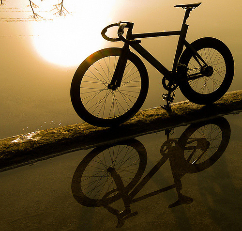 chicagobikelife:  reflection
