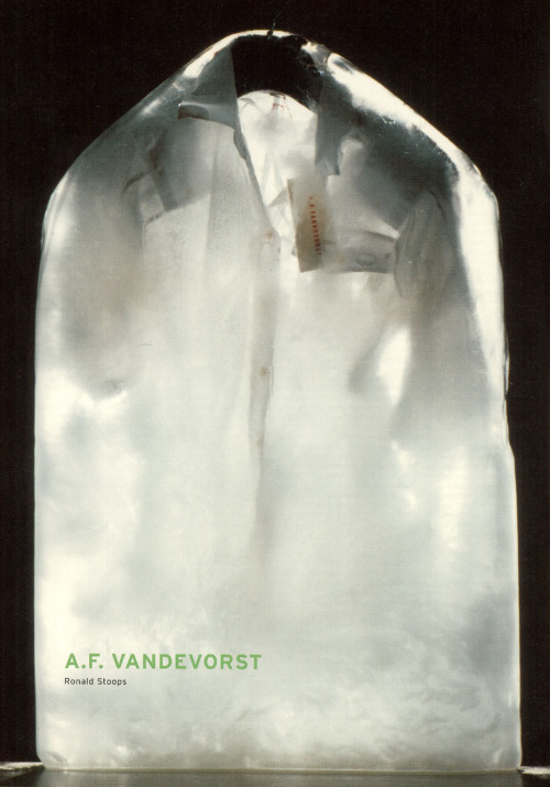 A. F. Vandevorst   photography ronald stoops  Mode 2001 Landed-Geland, Flanders Fashion Institutecurator walter van beirendonck