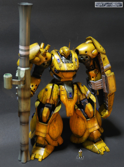 bigbetterirish:  Custom Kampfer I saw this today and died from how much awesome is present. GP-02 shield made me all nostalgic and made me wish they would rework the GP-01 and GP-02 MGs. They were some of the first MG kits and they are in DIRE need of revamping.