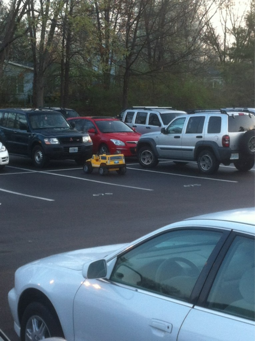 asiansdoingweirdthings:  someone drove a jeep to school