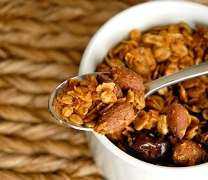 findvegan:  Healthy Cheery Cherry Almond Granola