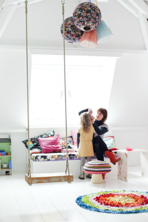 myidealhome:  indoor swing (via tantjohanna)