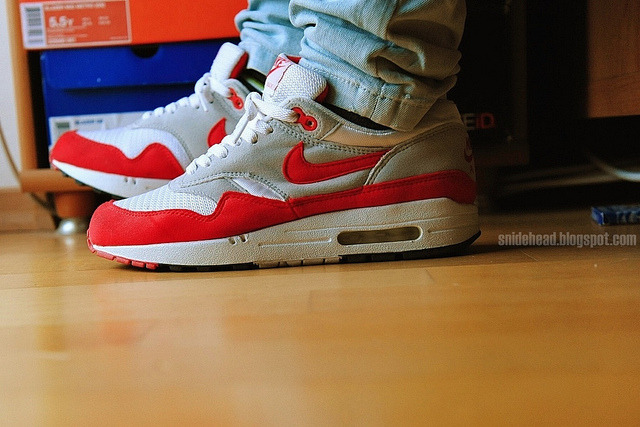 takeoffpants:  Nike Air Max 1 'Original Colorway' 2002 on Flickr.http://snidehead.blogspot.com/2012/03/tomf-2002-air-max-original-colorway.html
