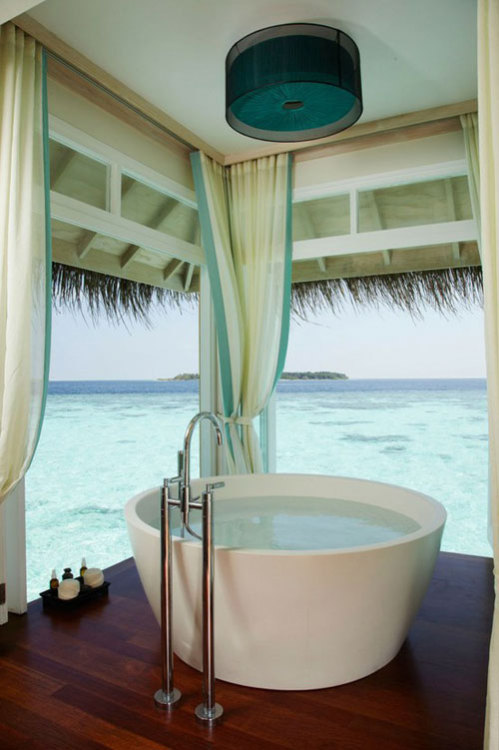 doorsandsardines:  Bathing in Paradise  CALGON, TAKE US AWAY!