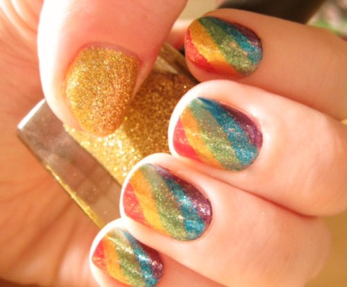 notesandnails:  Glittered Colorful Nails