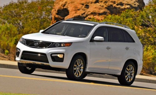 2013 Kia Sorento gets option packages shuffled, new available features for base LX model.