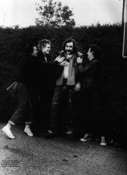 goeasysteplightly:  Lester Bangs being assaulted by the Clash