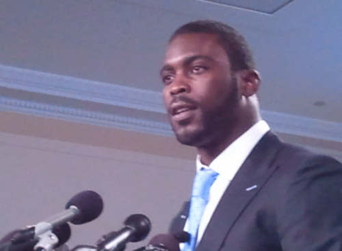 Michael Vick is $400k away from closing a dark chapter in his life Michael Vick is nearing the end of bankruptcy, according to a new article over at Forbes. The former Atlanta Falcon has spent the last 3 years digging himself out of a $20 million hole created when he was indicted on federal charges related to dog-fighting. Advertisers soon pulled their endorsements, Vick was dropped by the Falcons, and found himself in the middle of a costly legal battle that left him penniless. Now, thanks to a $100 million dollar extension signed last year with the Philadelphia Eagles, Vick finds himself less than half a million dollars from being debt-free. (Photo by Talk Radio News Service) source Follow ShortFormBlog