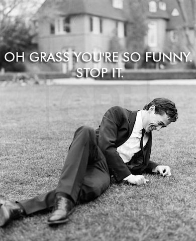 JGL, you're so dreamy and weird when you pose laughing at the grass. *.*