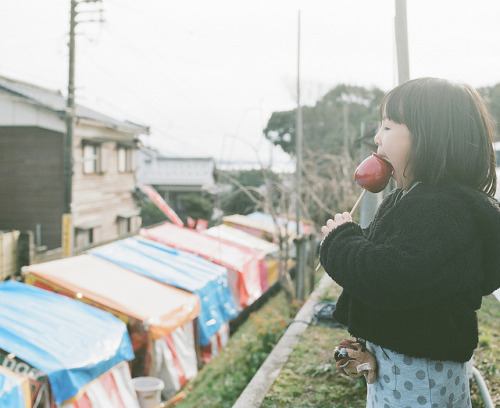 リンゴガール by Toyokazu on Flickr.