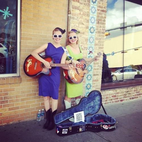Gladys and Maybelle performing on S. Congress in Austin.