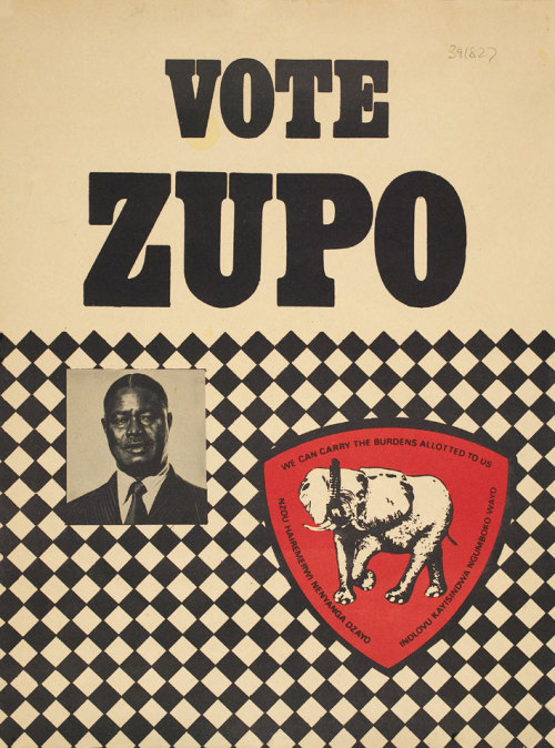 Posters politicos do Zimbabué.