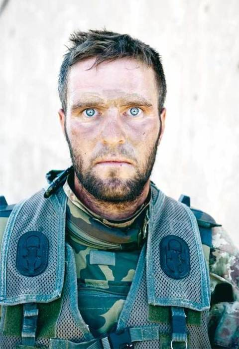 pro-patria-mori:  Italian special forces soldier after a 36 hour engagement with Taliban forces.