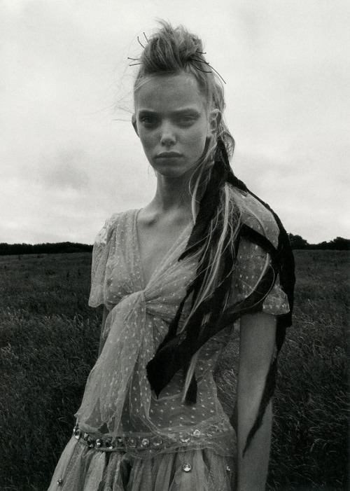 nomecalles:  Tanya Dziahileva by Venetia Scott, Another Magazine F/W 2006