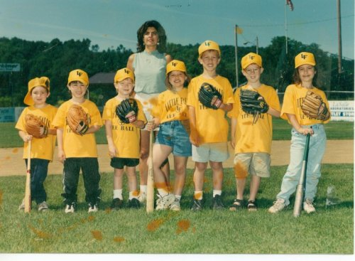 mydaddyistheking:  Old old old picture.My tee ball team from when I was like 5 years old. I'm the tallest one (even back then i was taller than everyone hahaha)  reblogging this for 2 reasons:1: it's 100% adorbs.2: it will always remind me of the time Natalie called Andrew a dofus. <333