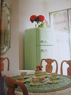 Mint green kitchen crush! (via Whispered Whimsy Vintage)
