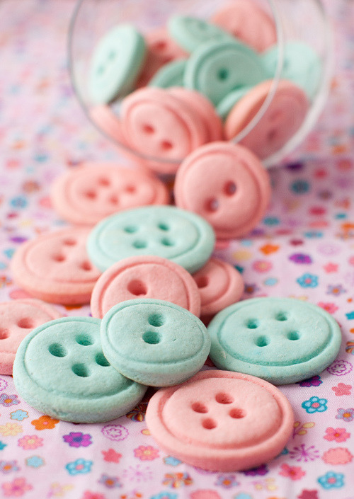 vanilla button cookies.