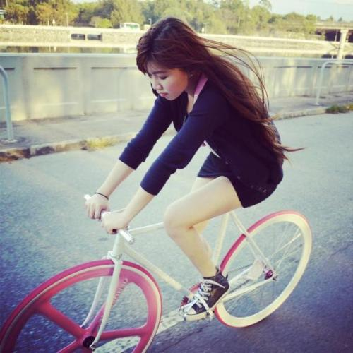 FIXED GEAR GIRL TAIWAN: Fixie girl Hong kong ♥ Cathy Liu