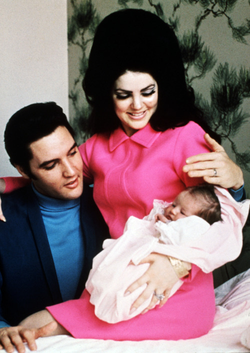Elvis with wife Priscilla and daughter Lisa Marie in Memphis, 1968