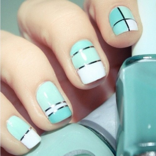 i want  mint nailsss