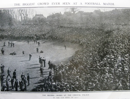 carltonbasks:  Tottenham Hotspur - Sheffield United 1900-01 FA Cup at Crystal Palace. 110,000 in attendence.