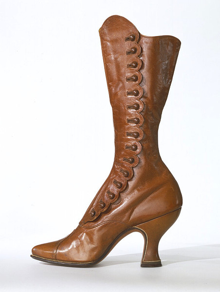 Display boots, 1895-1915 Vienna, the V&A Museum