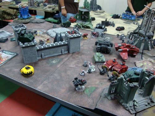 Another angle, showing that the Blood Angels termies also blew up the drop pod. Good riddance, I say!