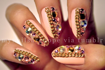 "mynailsaredope:  Just like my last design with a little twist. Used Essie's ""A Crewed Interest"" from the Spring collection & made it matte!"