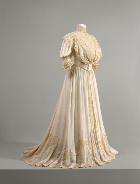 oldrags:  Wedding dress, 1907 Australia (Hobart, Tasmania), National Gallery of Victoria