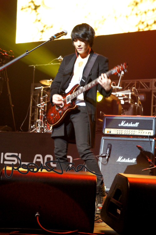 120309 Stand Up Live Concert - Jonghoon  please credit.  do not remove watermark.