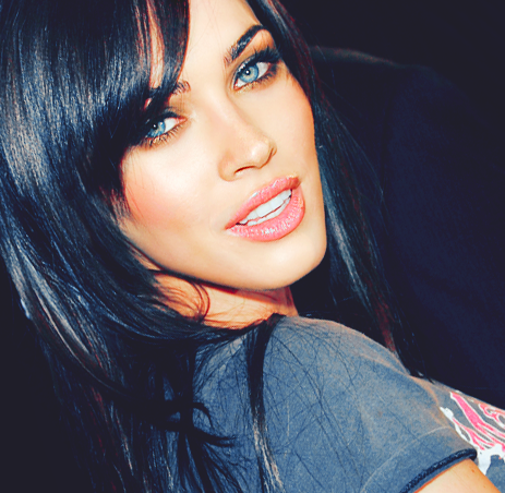 Megan Fox. Absolutely Gorgeous.