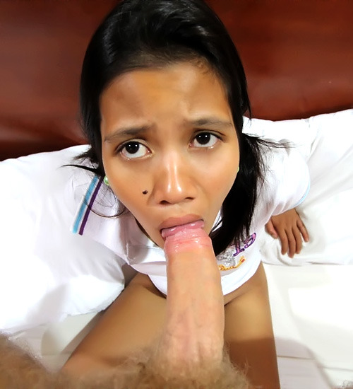 Filipina Teen Maricel with a round bubble but is too shy to receive a great fuck from a white dude whom she just met earlier this Month. It's suppose to be a picture session but in the guy's naughty mind that became a hardcore sex action. It was no good for the guy because he is not satisfied and she is a bit lack of experience, but she manage to do what the guy want her to do.